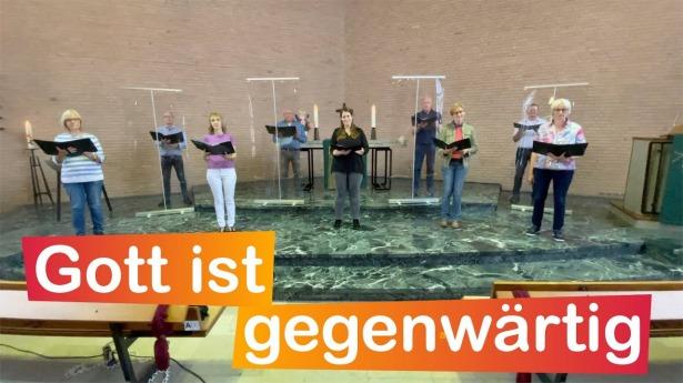 """Embedded thumbnail for 04.07.2021 – """"Gott ist gegenwärtig"""" (EG 165)"""